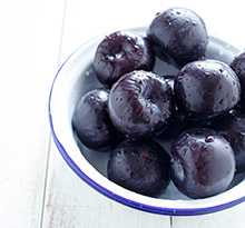 Improve fertility with damsons